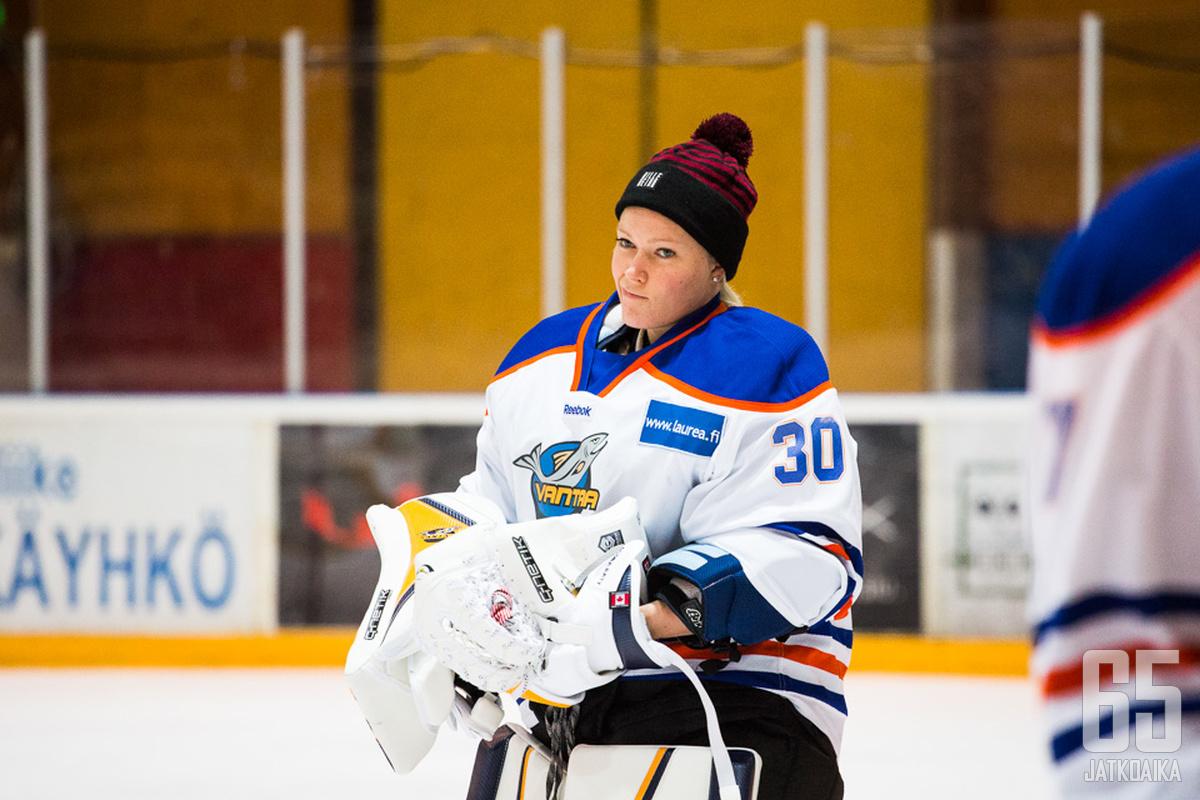Räty torjui viime kaudella muun muassa Kiekko-Vantaassa