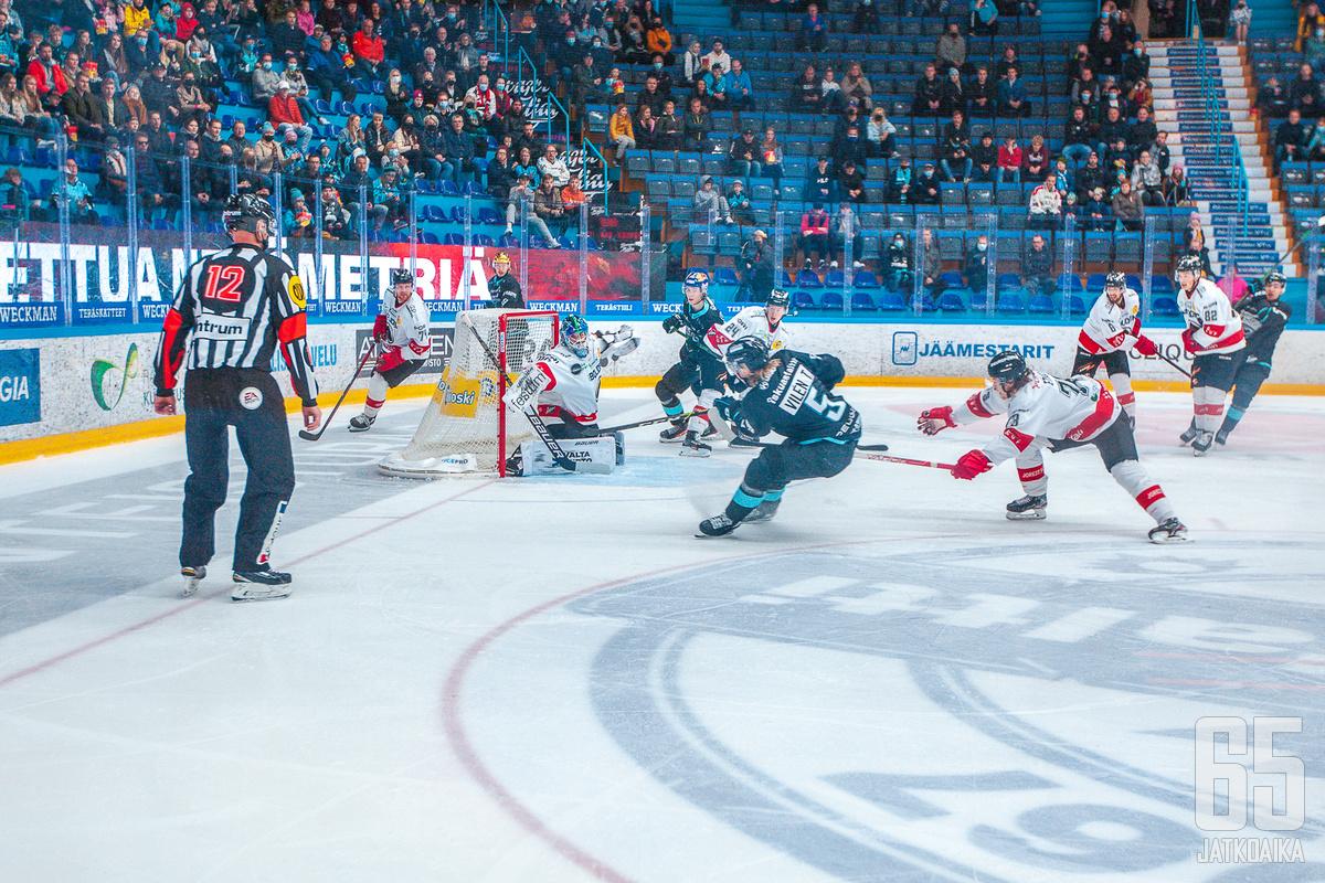 Konstantin Volkov torjui ottelussa 26 kertaa.