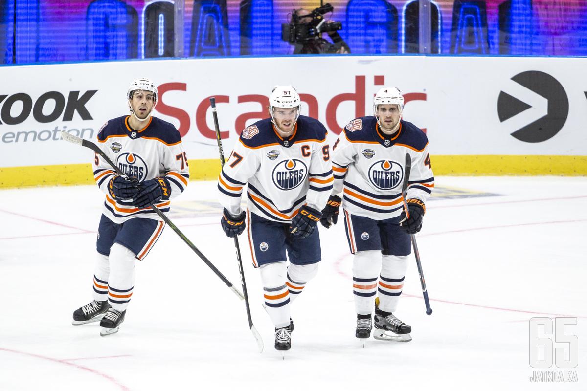 Oilers hankki syvyyttä alakertaansa.