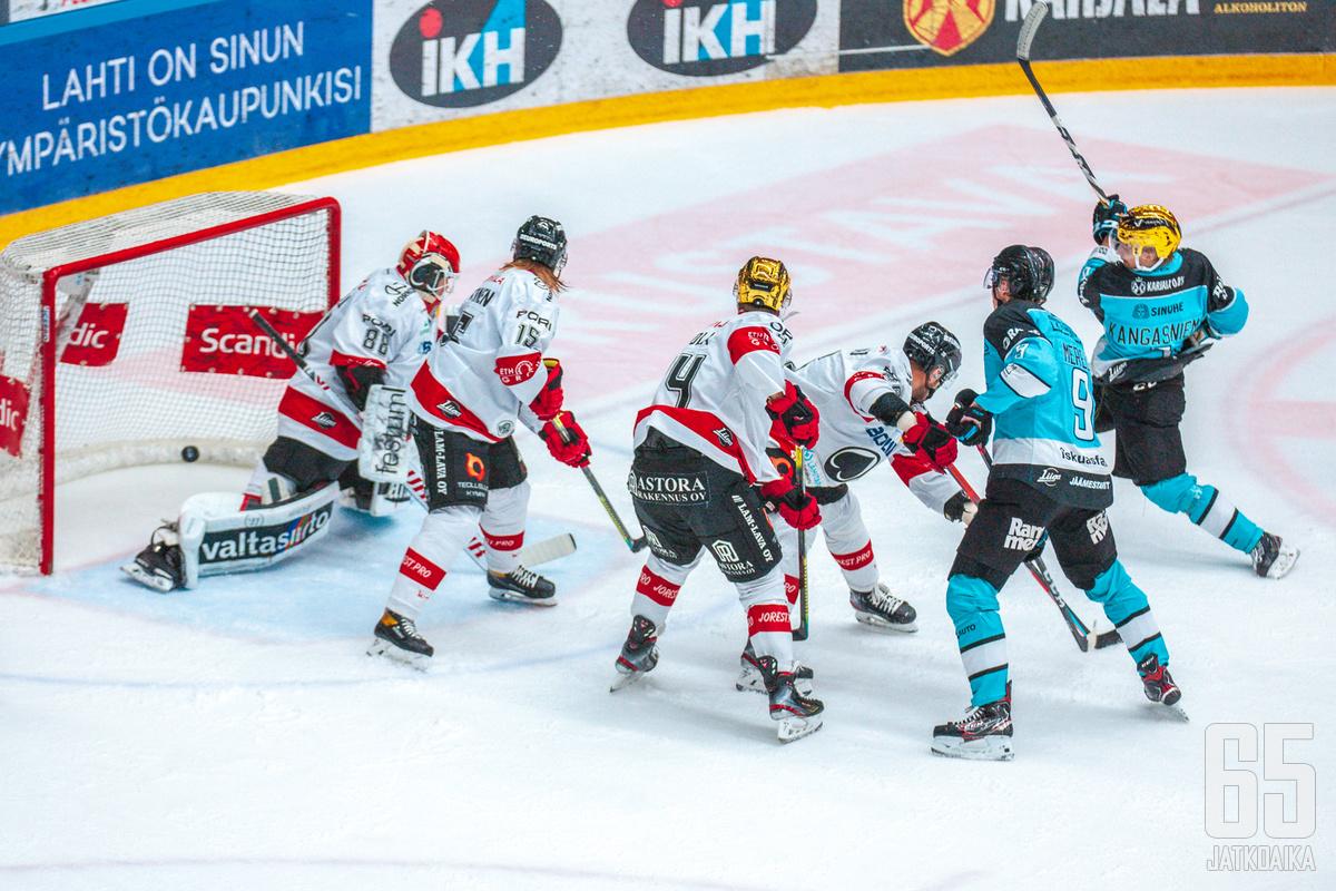Iikka Kangasniemi avasi Pelicansin maalihanat.