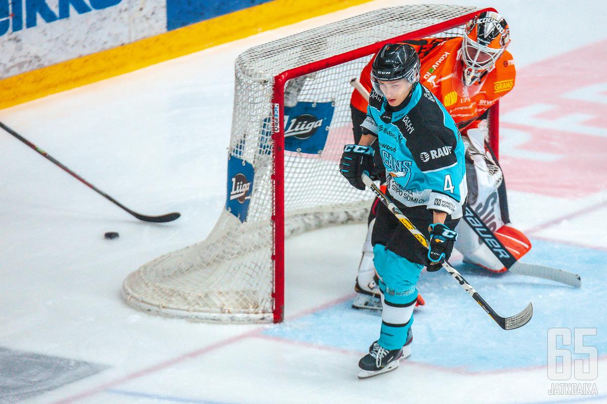 Iikka Kangasniemi ja kumppanit eivät pystyneet ohittamaan Victor Brattströmiä kuin kertaalleen.