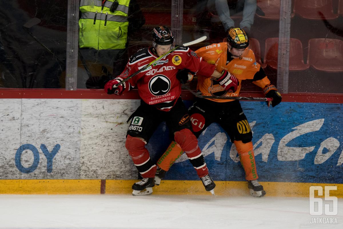 Ässien Jouka Juhola on kahden ottelun maaliputkessa.