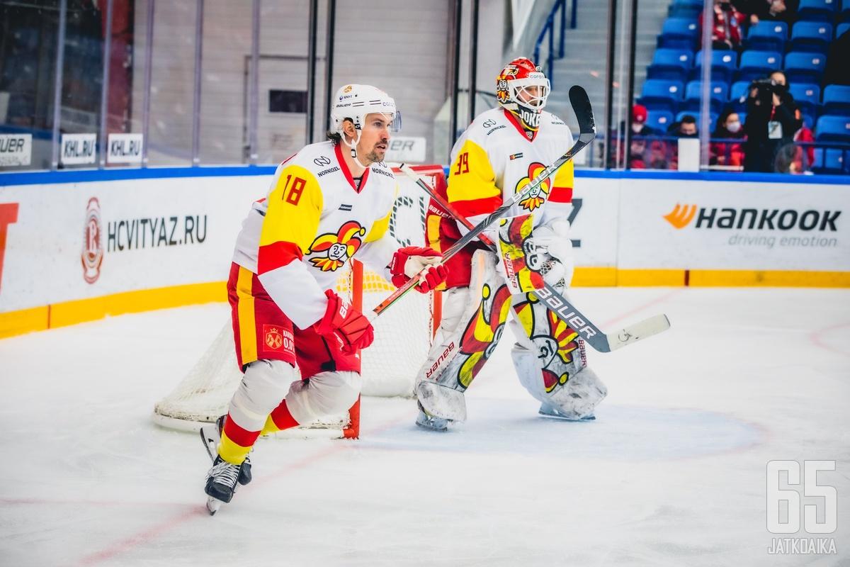 Sami Lepistö (vas.) pelasi Moskovassa kauden toisen ottelunsa.