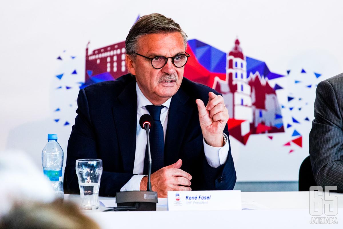René Faselin Minskin-reissu siirtyy.