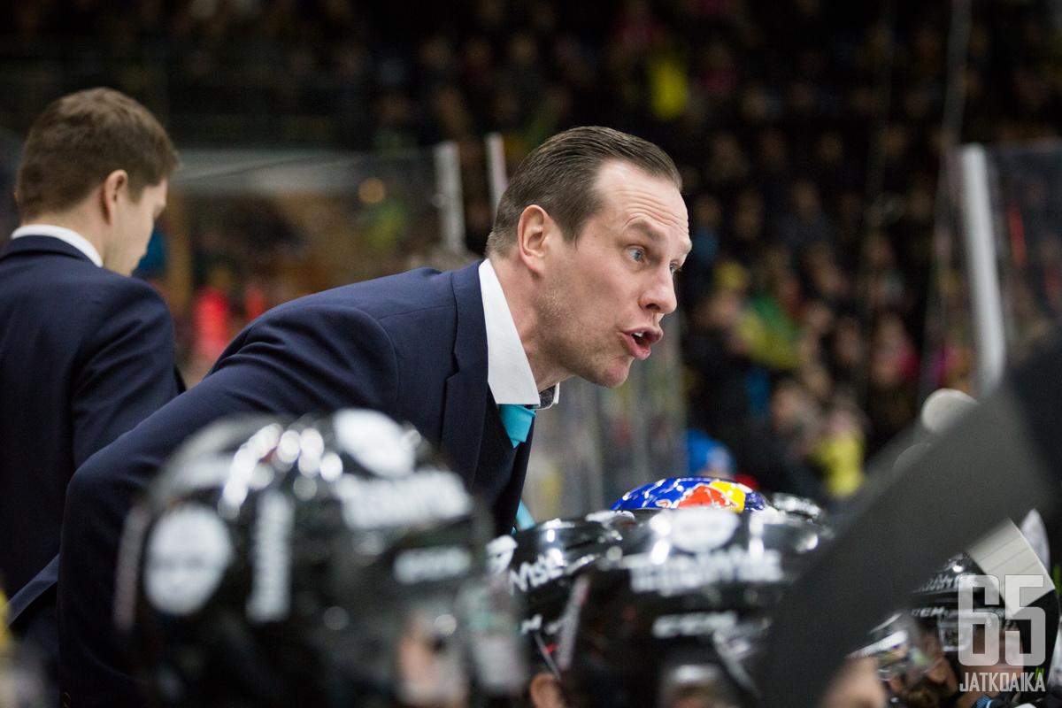 Ville Nieminen arvostetaan Jatkoajan valmentaja-rankingissa korkealle.