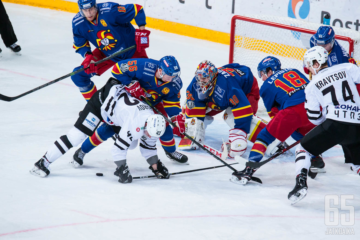 Zapolski torjui jo kauden yhdeksännen nollapelinsä.