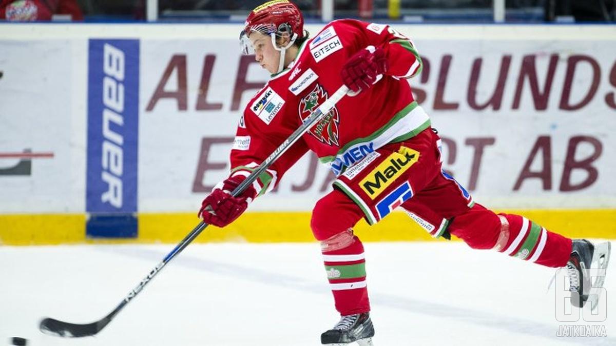 Lindgren on kiekkoillut viime kaudet Modossa.