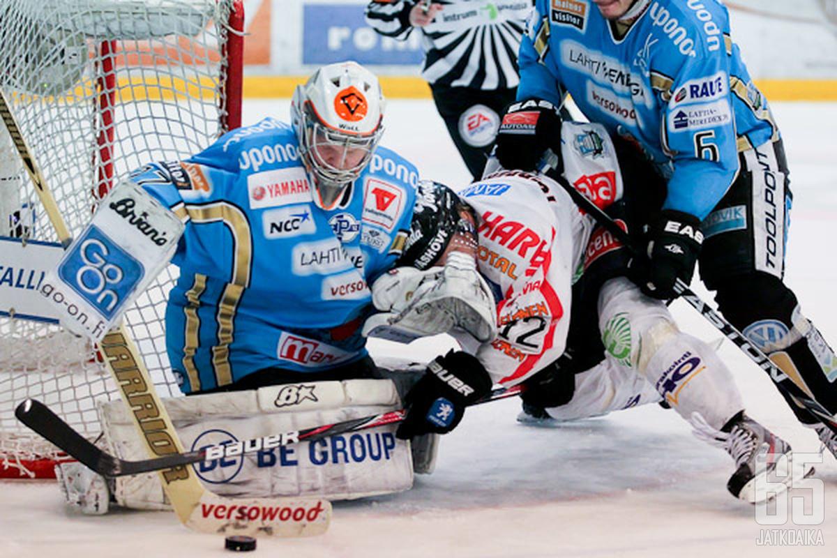 Janne Juvonen astui isoihin saappaisiin pudotuspelien tärkeimmässä vaiheessa.