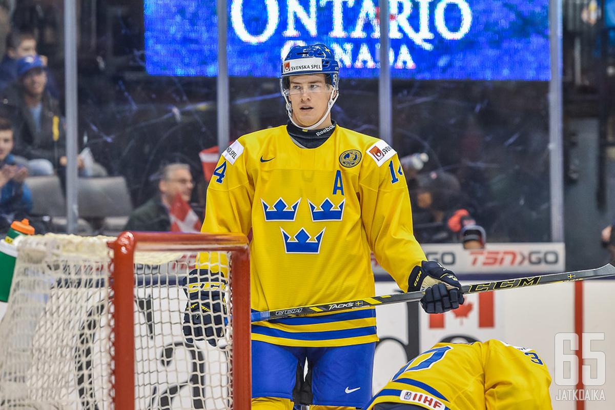 Hägg puolusti hopeaa voittaneen Ruotsin takalinjoilla nuorten MM-kisoissa vuonna 2014.