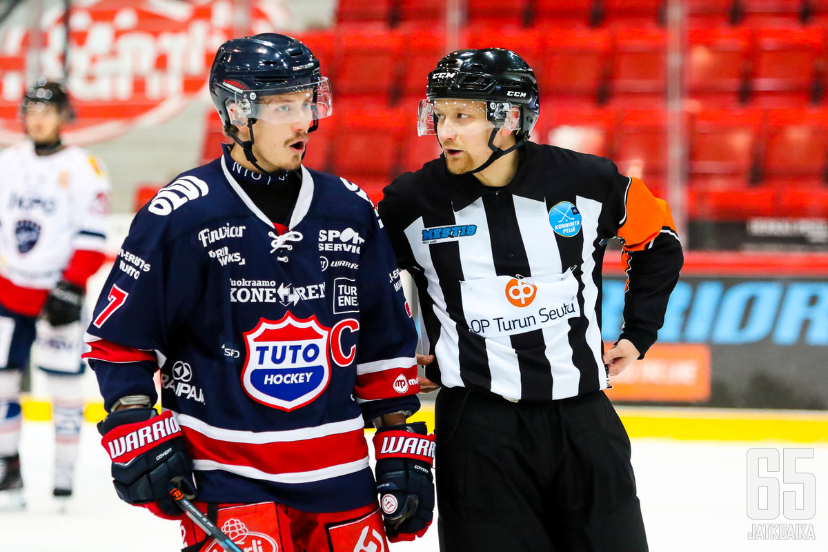 Jere Karlsson on tottunut hoitamaan kapteenin tehtäviä.