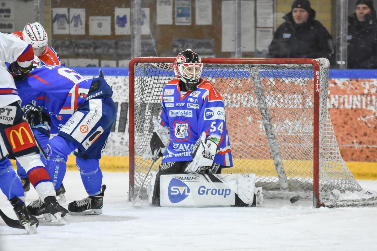 Joona Voutilainen joutui antautumaan viidesti Keupan maalilla.