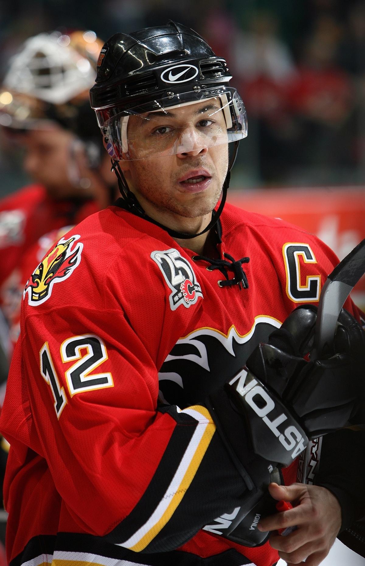 Iginla edusti uransa aikana Flamesia yhteensä 17 kaudella.
