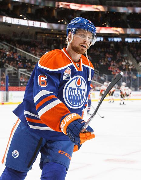 Adam Larsson saapui Devilsistä vahvistamaan Oilers-takalinjoja.