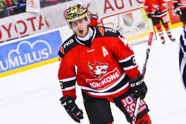 Jokipoikien Mikael Ruohomaa oli kauden suurin palkintorohmu. Taituri jatkaa uraansa KalPassa.