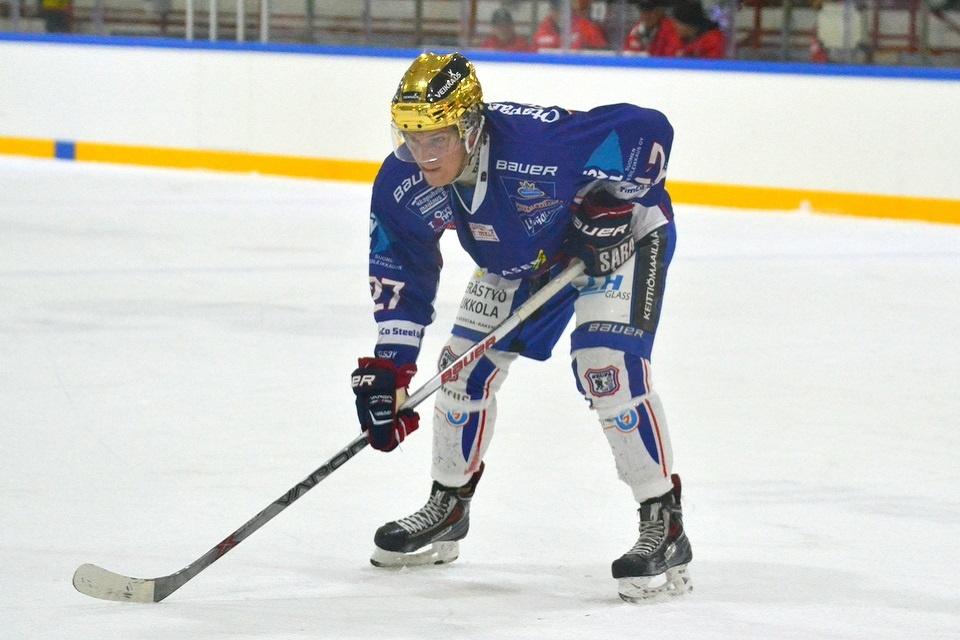 Riku Pitkänen kantoi viime kaudella KeuPan kultakypärää ajoittain.