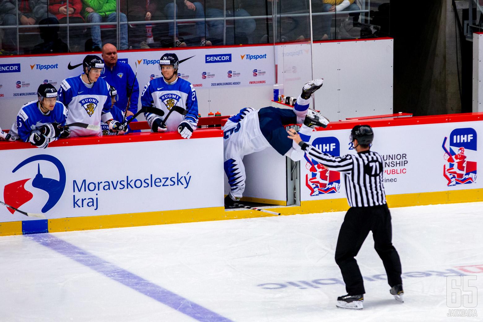 Suomi - Kazakstan, Nuorten MM-kisat 29.12.2019, Werk Areena, Trinec. (Kuva: Jari Mäki-Kuutti)