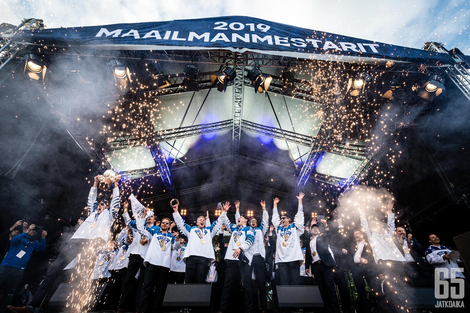 Leijonat Suomen MM 2019 -kansanjuhlassa, Kaisaniemen puistossa, 27. toukokuuta 2019.