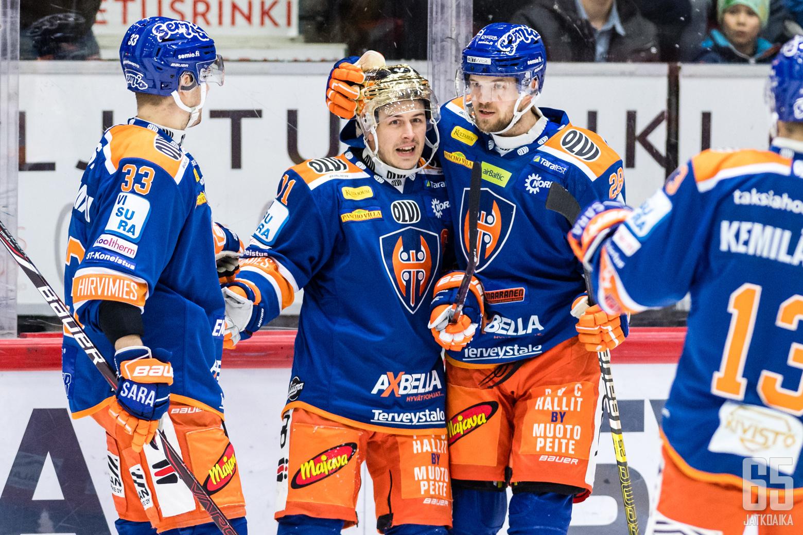 Tapparan Veli-Matti Vittasmäki (33), Kristian Kuusela (71), Jarkko Malinen (28) ja Valtteri Kemiläinen (13) Liigan runkosarjaottelussa HIFK - Tappara, Helsingin jäähallissa, 18. tammikuuta 2020.