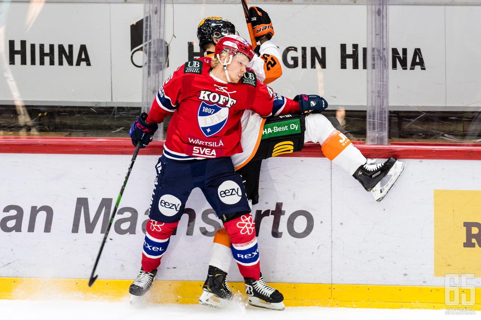 Liiga-ottelussa HIFK - KooKoo, Helsingin jäähallissa, 10. marraskuuta 2020. Kuva: Riku Laukkanen / R1ku Exposures.NIKON D5, AF-S Nikkor 300mm f/2.8G IF-ED VR II @ 300mmf/4/1/1000s/ISO 3200