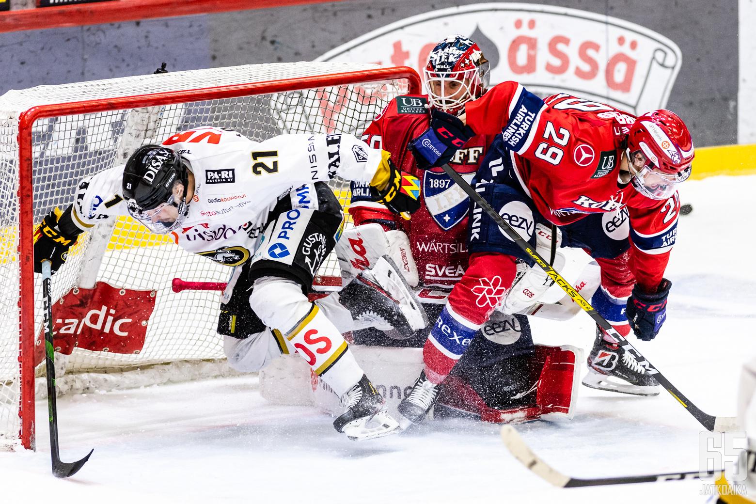 Liigan 1. puolivälieräottelussa HIFK - Kärpät, Helsingin jäähallissa, 19. huhtikuuta 2021.