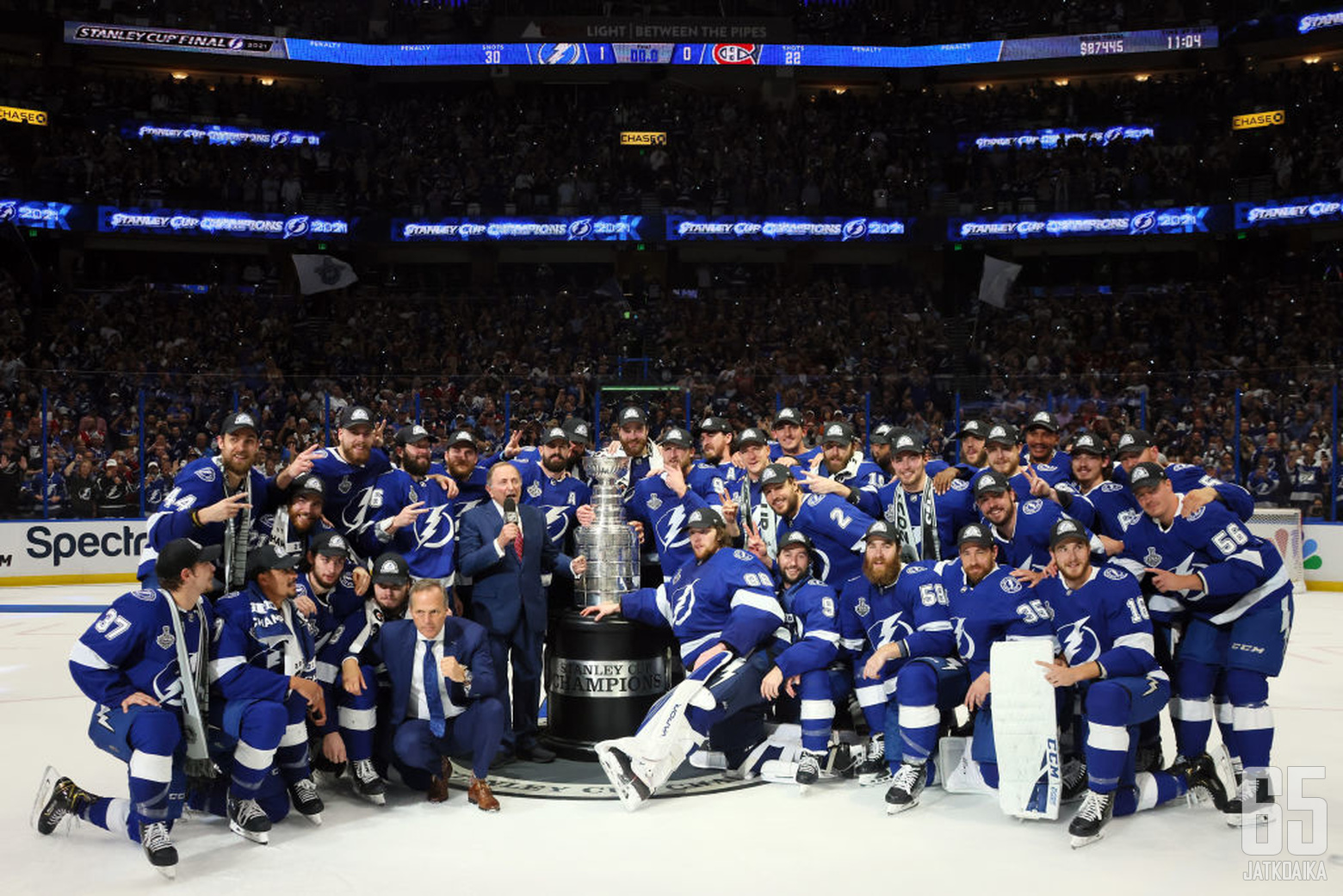 TAMPA, FLORIDA - JULY 07:  The Tampa Bay Lightning pose with the Stanley Cup after defeating the Montreal Canadiens 1-0 in Game Five to win the 2021 NHL Stanley Cup Final at Amalie Arena on July 07, 2021 in Tampa, Florida. (Photo by Bruce Bennett/Getty Im