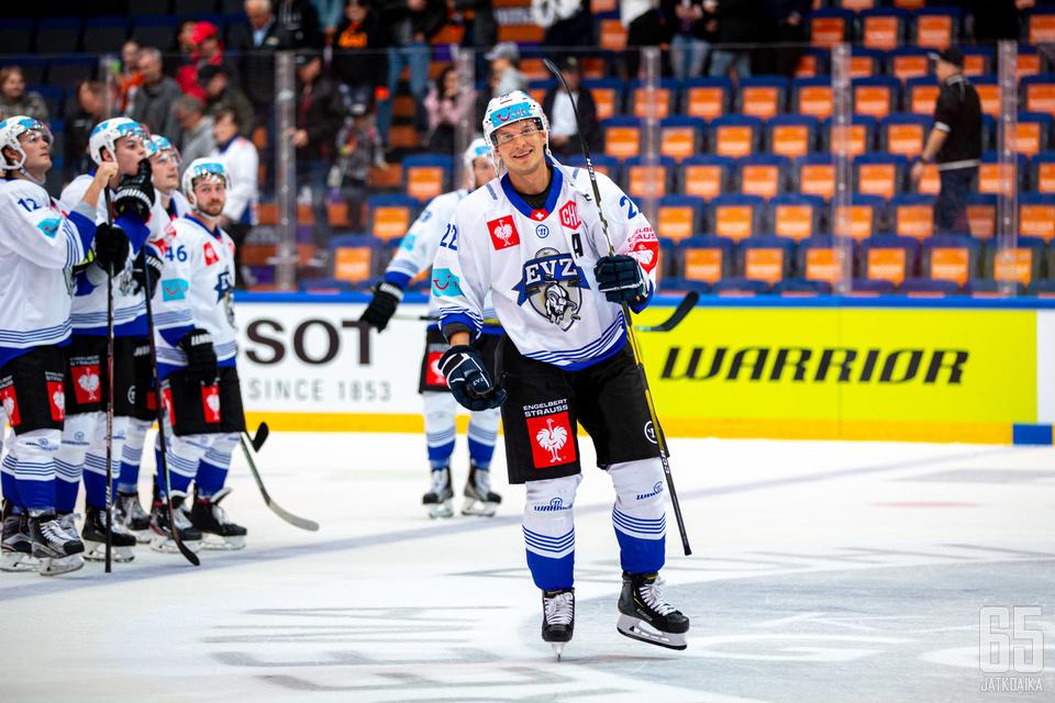 Hämeenlinnassa alkulohkossa vieraillut EV Zug on Tapparan ensimmäinen pudotuspelivastustaja.