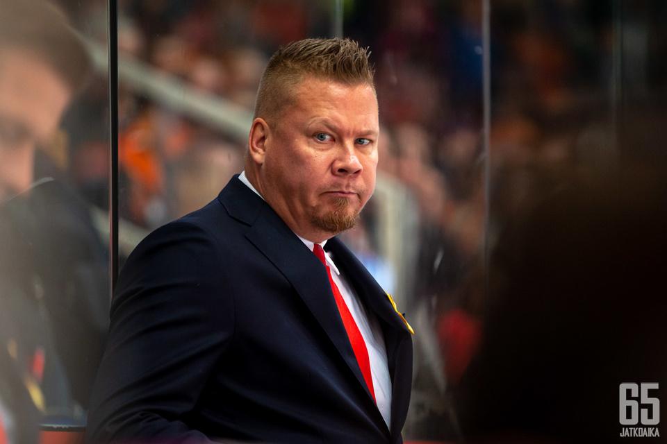 Jarno Pikkaraisen HIFK kärsii maalinteon tehottomuudesta.