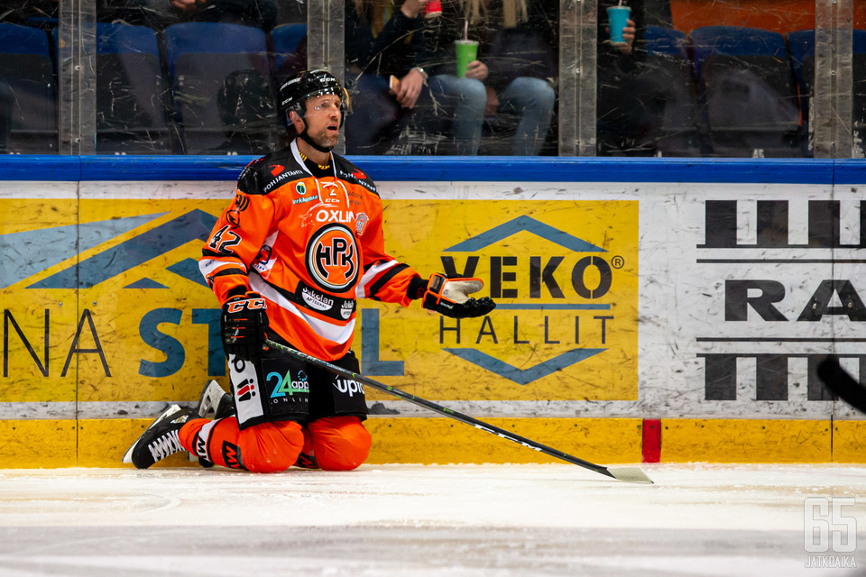 Arto Laatikainen oli yksi ulosajon saaneista pelaajista.