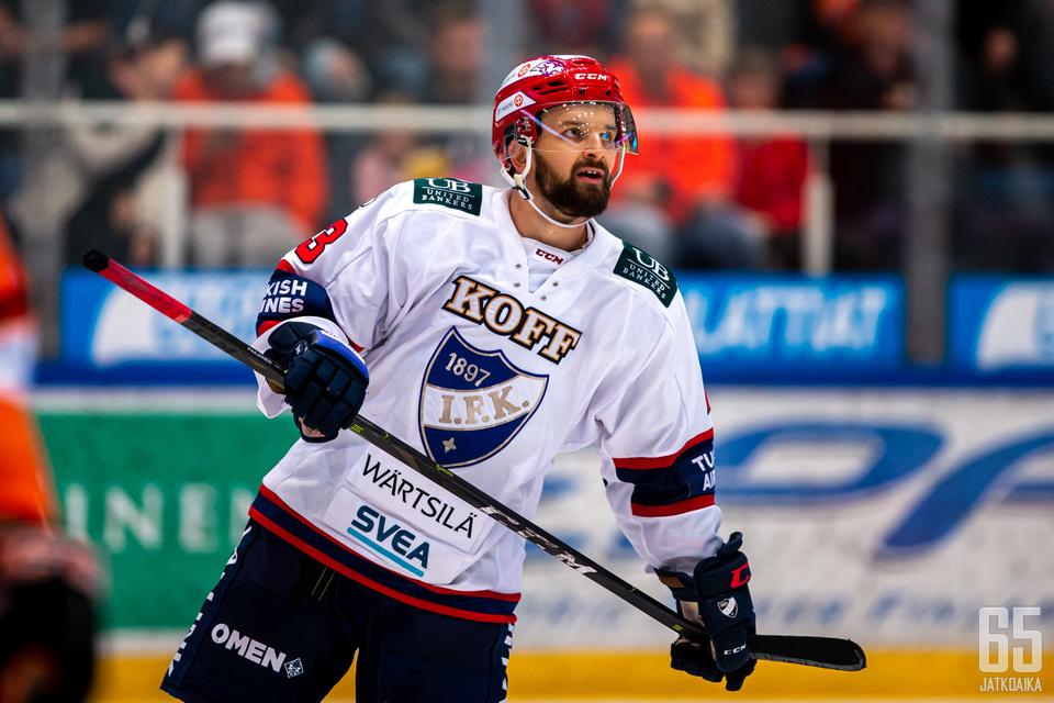 Otto Paajanen oli viimeksi sivussa Liiga-ottelusta syksyllä 2014.