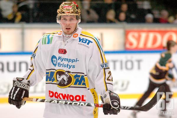 Oulussa kultakypärääkin kantanut Koivisto tekee paluun sinikeltaisiin.