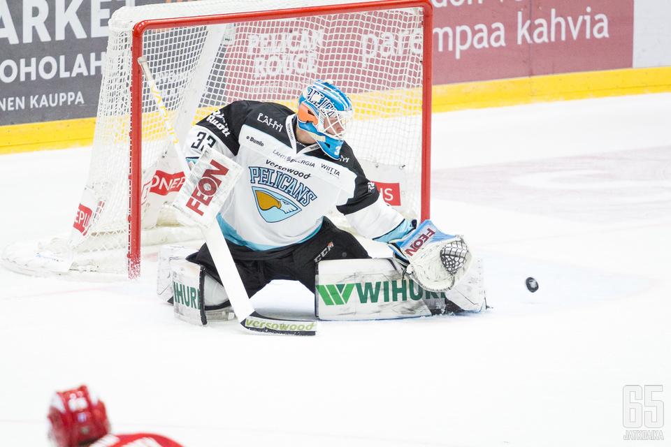 Tomi Karhunen keräsi perjantaina 42 torjuntaa ja pelasi nollapelin IFK:ta vastaan.