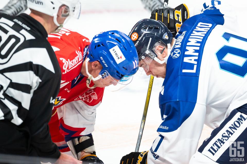 Suomen ja Tšekin kohtaaminen oli tasaväkinen kamppailu.