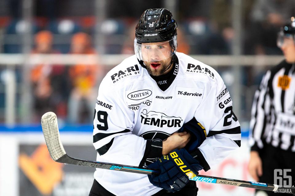 Christoffer Persson palaa kotimaahansa.