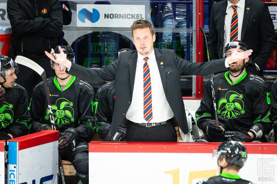 Lauri Marjamäki on omien sanojensa mukaan ajoittain intensiivinen valmentaja.
