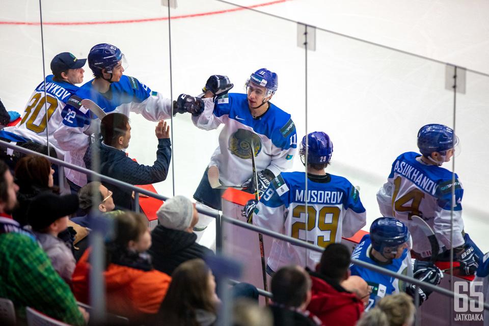 Maksim Musorov oli Kazakstanin tehohyökkääjä pistein 4+2. Se ei riittänyt pitämään joukkuetta pinnalla.