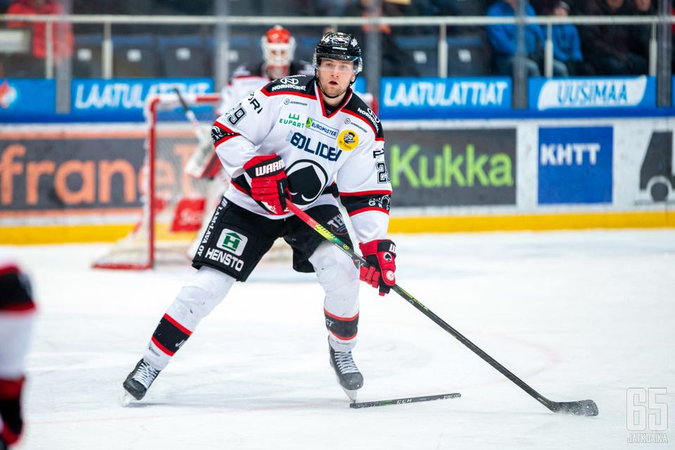 21-vuotias Markus Niemeläinen sai runsaasti vastuuta Ässissä viime kaudella.