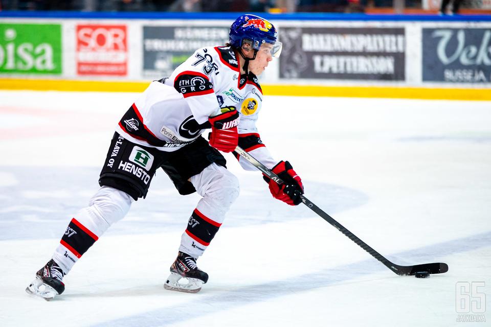 Otto Kivenmäki loukkaantui Satakunnan derbyssä.