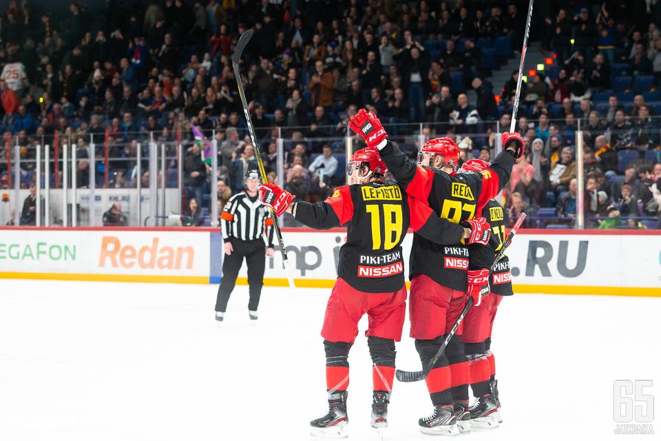 Helsinkiläisseura on hallinnut joukkueiden aiempia kohtaamisia.