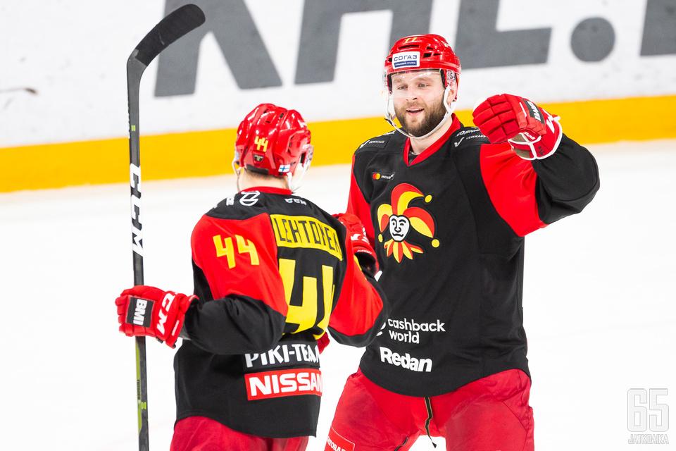 Mikko Lehtonen saalisti tehot 1+3 ja Nicklas Jensen 1+2.