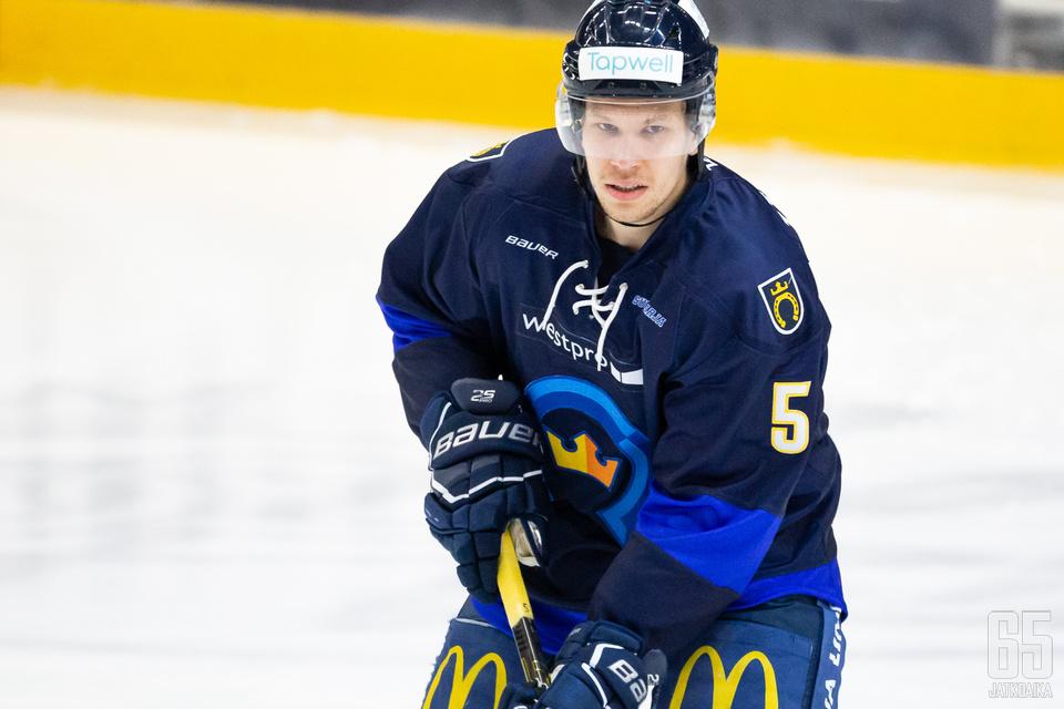 Järvinen kuului Kiekko-Espoon Suomi-sarja-ryhmän parhaimmistoon.