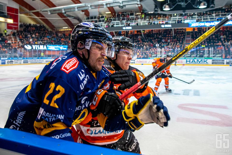 Toni Koivisto kamppailee Lukon väreissä ensi kaudellakin.