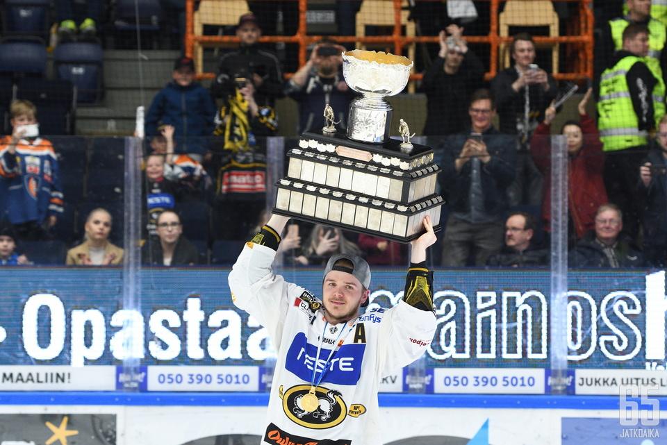 Junttila on juhlinut Kärppien kanssa kolmea Suomen mestaruutta.