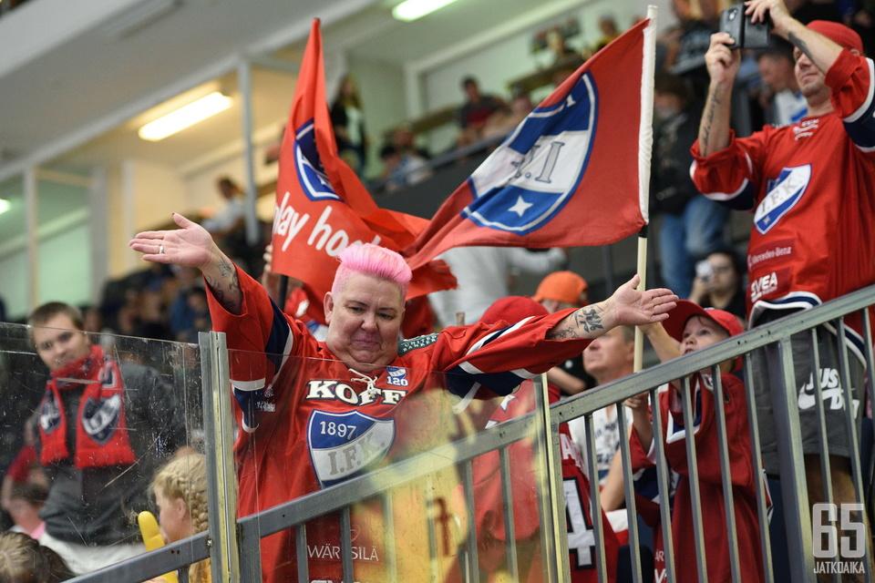 HIFK keräsi viime kaudella eniten yleisöä otteluihinsa.