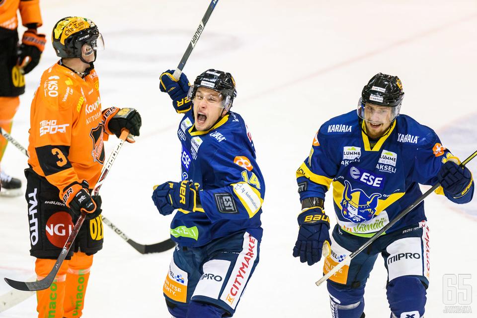 Valtteri Hotakainen teki Jukureiden toisen maalin.