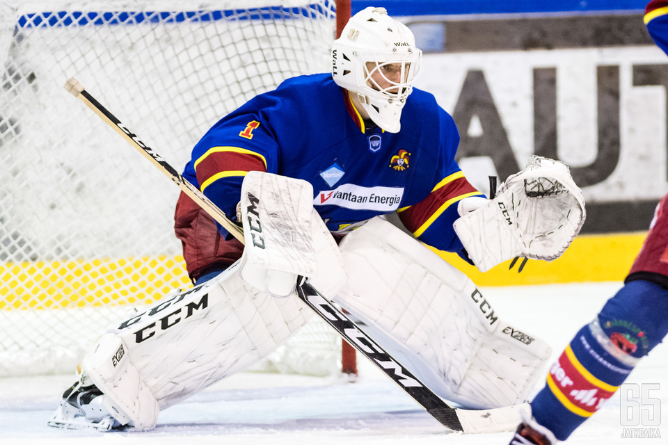 Kiekko-Vantaan maalivahti Waltteri Ignatjew pelasi nollapelin.