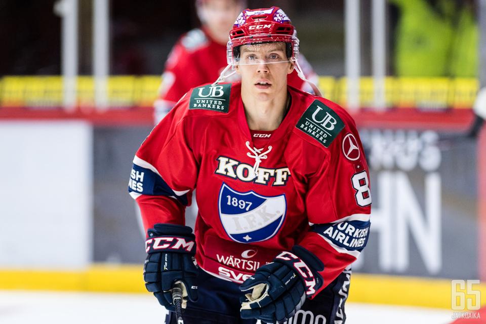 Ville Varakas nautti, kun pelissä oli tunnetta mukana.