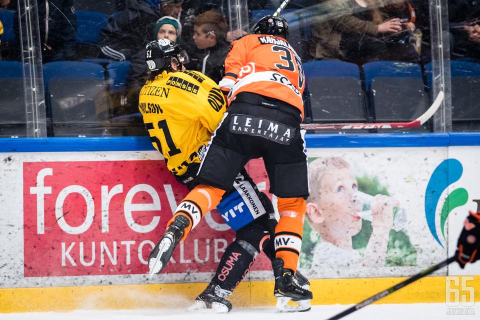Miro Karjalainen pisti KalPan pelaajia seinille useampaan otteeseen.