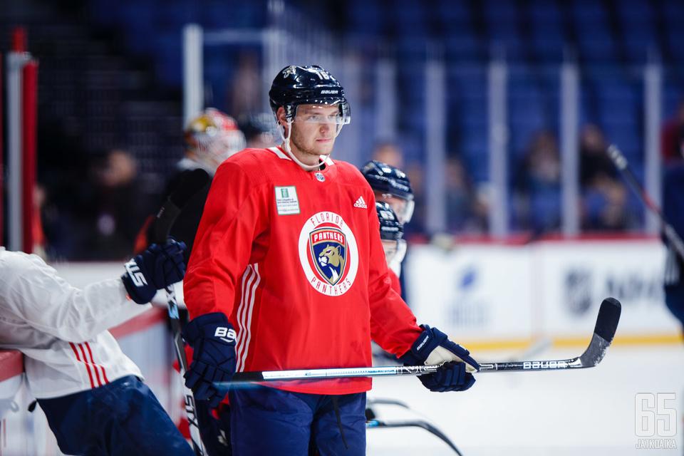 Aleksander Barkov on Panthersin kapteeni ja ykkössentteri.