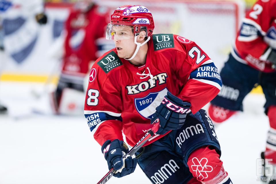 Miles Koules onnistui iskemään ensimmäisen Liiga-maalinsa.
