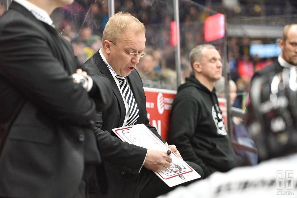 Kalle Kaskinen ei sulattanut ottelun jäähytasapainoa.